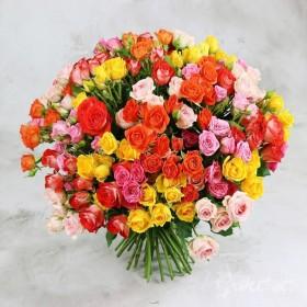 Большой букет из 51 кустовой розы