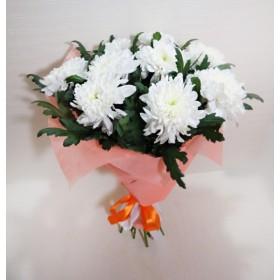 Подарочный букет из хризантем Зембла