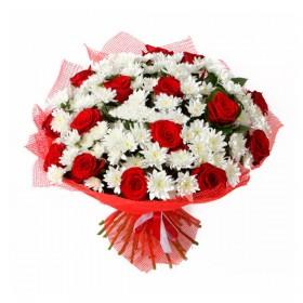 Букет с розами  Кардинал