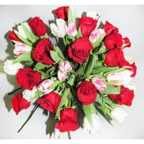 """Букет из тюльпанов и роз """"Легенда"""""""