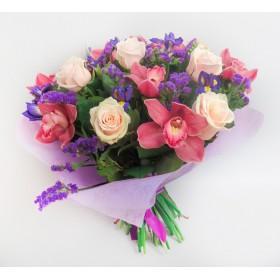 Букет с розами и орхидеями №104
