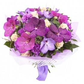 Букет с фиолетовыми  орхидеями №121