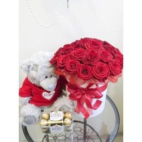 Коробка с розами №43