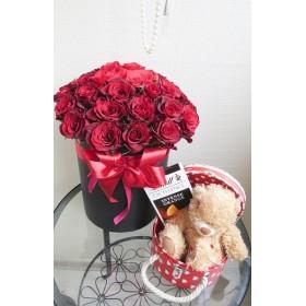 Коробка с розами №47