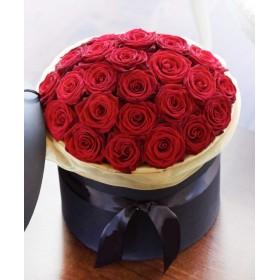 Розы в коробке №19