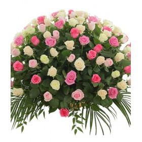 Корзина цветов из 101 розы