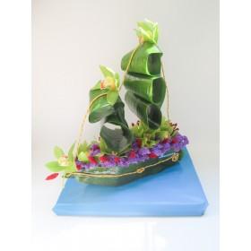 Композиция из цветов Корабль
