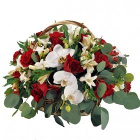 Корзина цветов №325