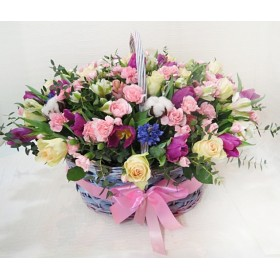 Корзина цветов Никиас