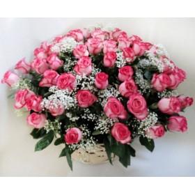 Розы в корзине 51 шт.