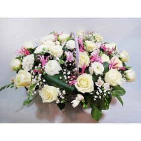 Нежная корзина цветов Селена