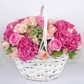 Корзина с розами и гортензией Моя радость
