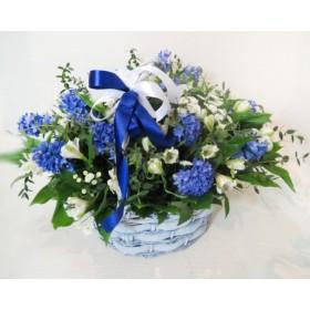 Корзина весенних цветов Зенон