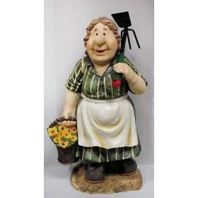 Садовая фигура Бабка с тяпкой