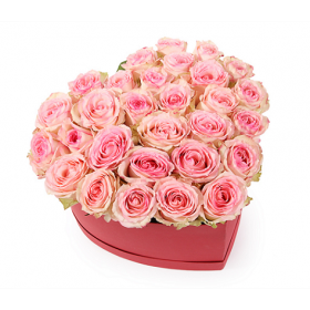 Сердце из роз Нежный поцелуй